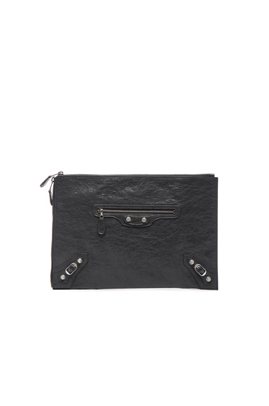 Giant Arena Pouch